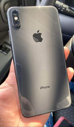 iPhone XS Max, Factory Unlocked.. Excellent Condition. Like New . for Sale in Springfield,  VA