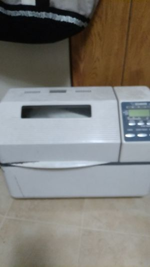 Zojirushi home bread maker model bbcc-x20 for Sale in Lafayette, LA