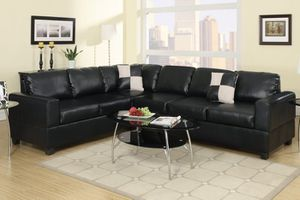 2pc Black Bonded Leather Sectional for Sale in Los Angeles, CA