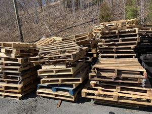 Pallets For FREE for Sale in Dumfries, VA