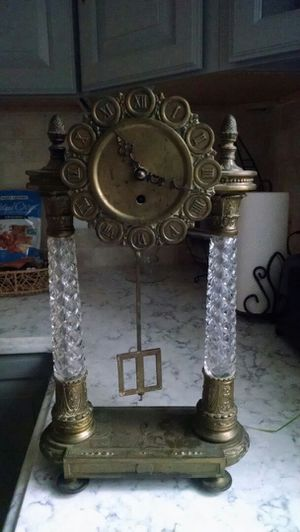 Antique Westwood Chadwick Germany Shelf Mantle Clock Crystal Brass for Sale in Staten Island, NY