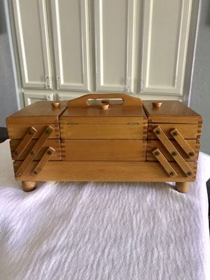 """Wooden Cantilevered Sewing Box - Approx. 17""""x8.5""""x7"""" when closed - Lindsay and Warner in Gilbert for Sale in Gilbert, AZ"""