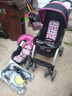 Stroller and car seat combo for Sale in Farmersville, OH