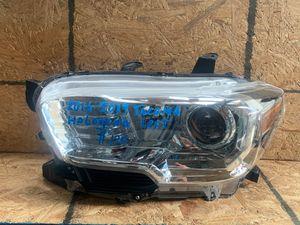 2016-2017-2018-2019 TOYOTA TACOMA HEADLIGHT HALOGEN LEFT DRIVER SIDE OEM for Sale in Gardena, CA