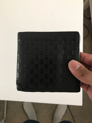 Used Gucci wallet for Sale in Goodyear, AZ