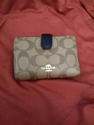 Authentic Coach wallet for Sale in Franklin Park, IL