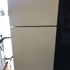 Hotpoint Refrigerator for Sale in San Antonio, TX