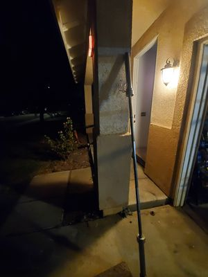 7 ft Olympic weight bar 45 lbs with collar for Sale in Hemet, CA