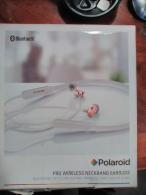 Polaroid pro series earbuds for Sale in Fresno, CA