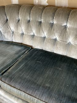 Beautiful, Dirty Vintage Couch for Sale in Troutdale,  OR