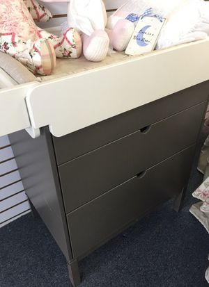 Baby chest/changing table for Sale in Philadelphia, PA