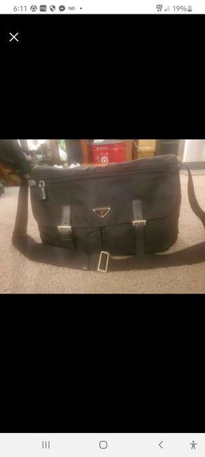 BRAND NEW BLACK PRADA MESSENGER BAG for Sale in Phoenix, AZ