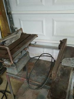 Vintage Delta Saw And Jointer for Sale in Scottdale,  PA