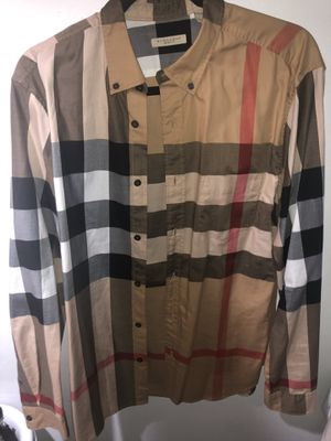 Burberry shirt size large for Sale in Daly City, CA