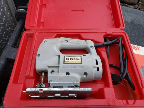 SKIL Jigsaw and case Electric