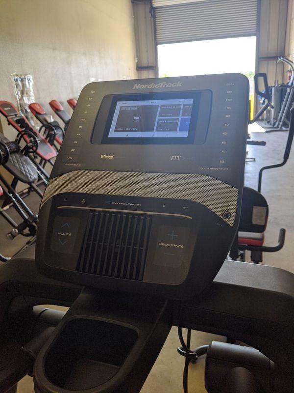 Nordictrack FreeStride trainer FS7i elliptical