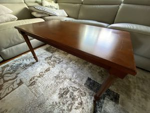 Bombay Coffee Table for Sale in Cliffside Park, NJ