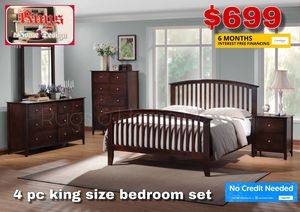 4 piece king size bedroom set for Sale in Visalia, CA