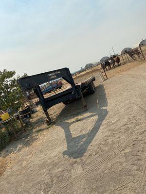 20 foot gooseneck trailer for Sale in Valley Springs, CA