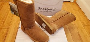 Bearpaw Tall Boots size 7 and 8 for women . for Sale in Lynwood, CA