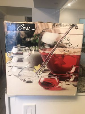 Punch bowl set of 8 for Sale in NO POTOMAC, MD