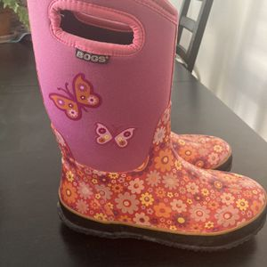 Girls Bogs Boots Size 6 for Sale in Golden, CO
