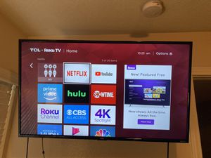 TCL 42' Roku TV (with Wall Mount and Chromecast) for Sale in Bellflower, CA