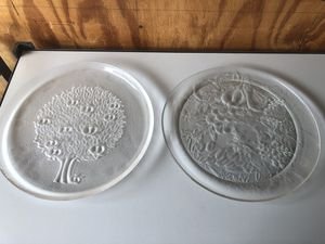 2 Serving Plates for Sale in Clovis, CA
