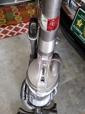 Dyson DC25 Ball Vacuum cleaner for Sale in Spring Hill, FL