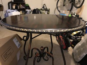 Large round dining table for Sale in West Los Angeles, CA