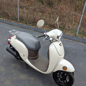 2013 Honda Metropolitan Scooter 50cc for Sale in Cheshire, CT