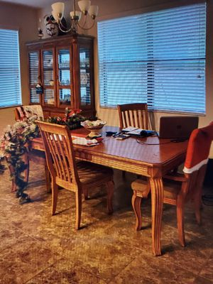 Dining table with 4 chairs for Sale in Clearwater, FL