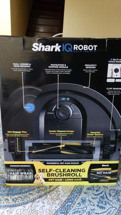 Shark ninja shark iq robot r105ae ur1005ae for Sale in Taylor,  TX
