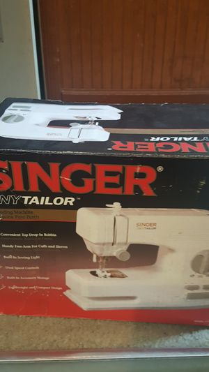 Singer Tiny Tailor Mending Sewing Machine for Sale in Virginia Beach, VA
