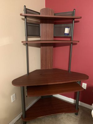 Corner desk for Sale in Brandon, FL