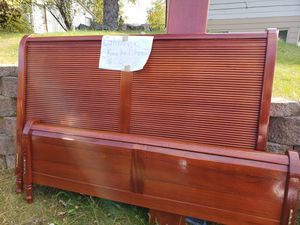California King bed sleigh bed frame for Sale in Anchorage, AK