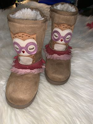 Girl fur owl boots, size 11 for Sale in Union City, GA