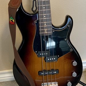 Yamaha BB434 MINT Bass Guitar for Sale in King City, OR