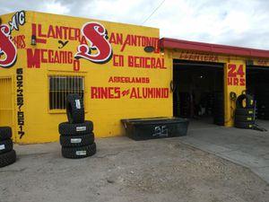 🎈🌲Hoy domingo te damos 🎈los mejores descuentos en 🎈todas las llantas nuevas y rines en especial visitenos los atendemos los 7 días de la semana for Sale in Chandler, AZ