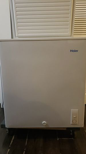 HAIER 5.0 CHEST FREEZER READY TO GO ASAP CAN HELP WITH DELIVERY for Sale in Alhambra, CA