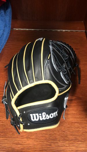 Wilson A2K baseball pitchers glove for Sale in Irvine, CA