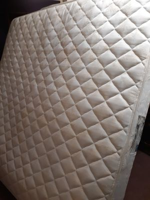 King size mattresses and box spring set for Sale in Hamburg, NY