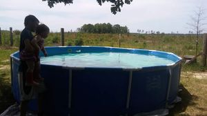 Pool used 1 time 1 mnth old for Sale in Ailey, GA