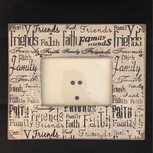 Friends Faith And Family Picture Frame MUST GO BY 12/5! for Sale in Phoenix, AZ