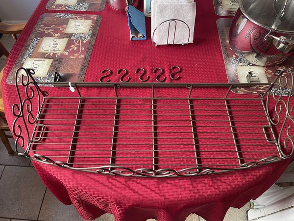 Princess House 2 Metal Wall Shelves W/ Bar 5 Hooks