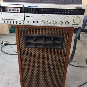 Vintage Stereo Receiver And Speaker for Sale in Buena Park, CA