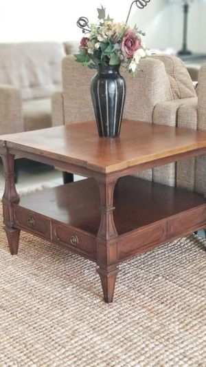 THOMASVILLE Furniture Table w drawer and bottom storage shelf/coffee table/center table/end table/night stand for Sale in Chino Hills, CA