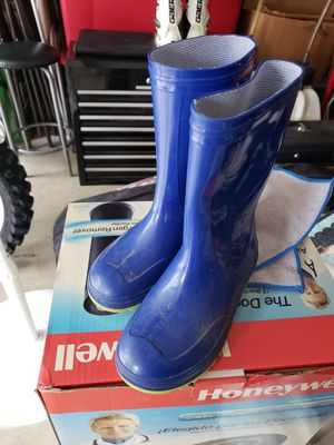 Kids rain boots size 1 for Sale in Forest Grove, OR