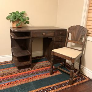 Vintage Desk & Chair for Sale in Fresno, CA