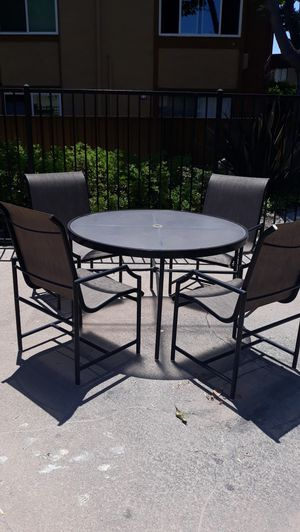 Table Patio set for Sale in Buena Park, CA